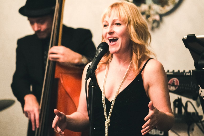 Sydney jazz singer, Kirsten Allison performs with her band
